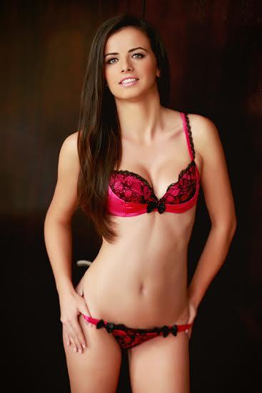 Nadine Escort